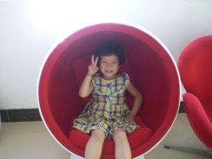 玻璃钢儿童小球椅