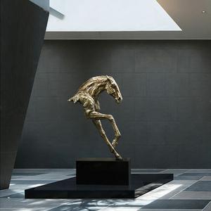 酒店大堂艺术型不锈钢雕塑