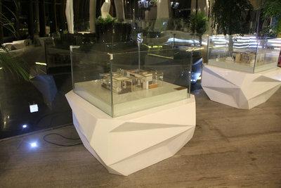 深圳前海玻璃钢展台