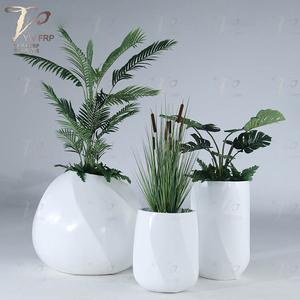 商场美陈定制澳门浦京娱乐场 玻璃钢花缸三件套组合花器厂家