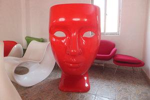 深圳玻璃钢厂家定做面具椅人脸椅