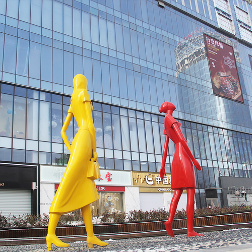购物广场大型人形雕塑