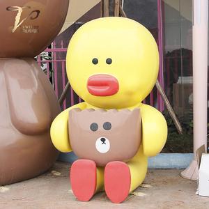 大型卡通玻璃钢雕塑大黄鸭