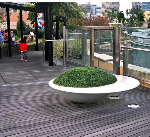 大圆飞碟款花池树池